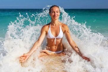 Vízparton hűsölsz? Használd ki a víz erejét a jógában is!